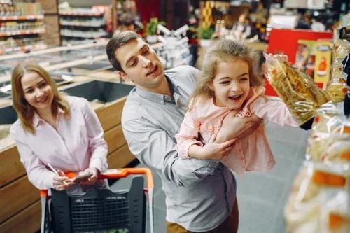 centro comercial con niños